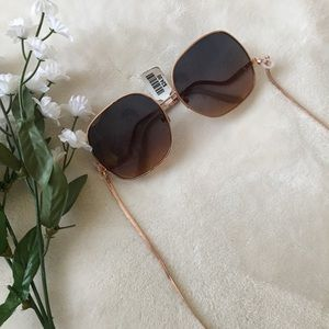 ⭐️NWT⭐️ Urban Outfitters Chained Sunglasses